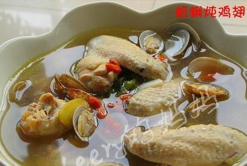 蛤蜊炖鸡翅的做法_蛤蜊炖鸡翅怎么做
