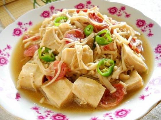 金针菇炖冻豆腐的做法_金针菇炖冻豆腐怎么做