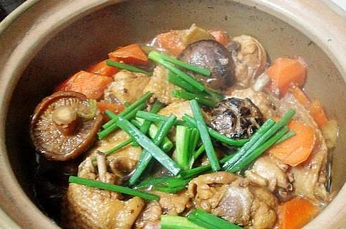 砂锅鸡翅煲的做法_砂锅鸡翅煲怎么做