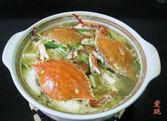 梭子蟹嫩豆腐煲的做法_梭子蟹嫩豆腐煲怎么做