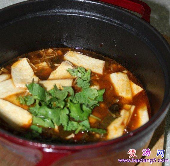 水煮酸菜杏鲍菇粉丝煲的做法_水煮酸菜杏鲍菇粉丝煲怎么做
