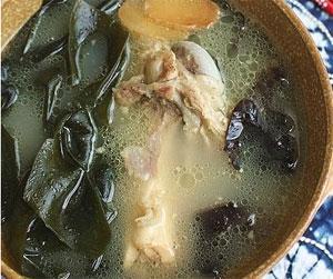 木耳骨头汤的做法_木耳骨头汤怎么做