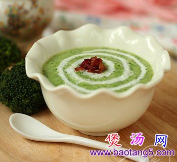 奶油西兰花培根浓汤的做法_奶油西兰花培根浓汤怎么做