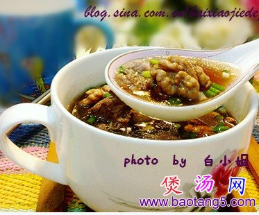 核桃黑豆棒骨汤的做法_核桃黑豆棒骨汤怎么做