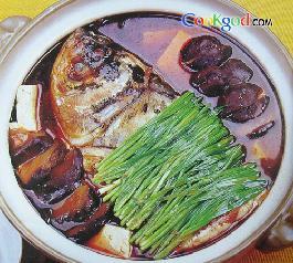 红汤鱼头豆腐的做法_红汤鱼头豆腐怎么做