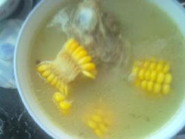 玉米大骨汤的做法_玉米大骨汤怎么做