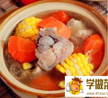胡萝卜玉米龙骨汤的做法_胡萝卜玉米龙骨汤怎么做