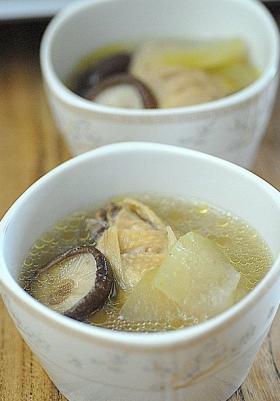 香菇冬瓜鸡汤的做法_香菇冬瓜鸡汤怎么做