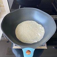 5分钟快手早餐,鸡蛋火腿手抓饼的做法图解4