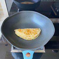 5分钟快手早餐,鸡蛋火腿手抓饼的做法图解7