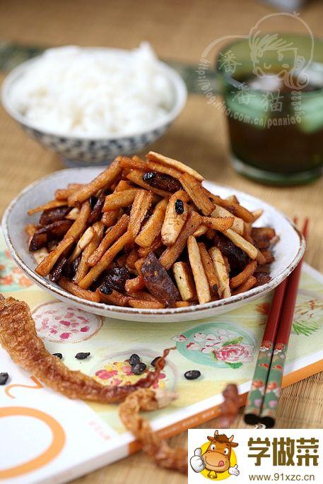 白辣椒炒腊味萝卜干的家常做法
