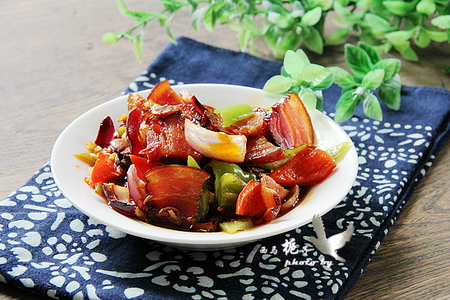下饭菜香辣回锅腊肉的家常做法