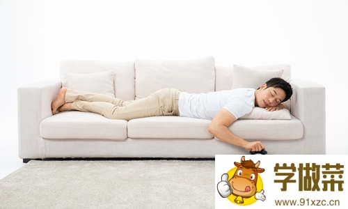 趴着午睡为什么会打嗝 午睡要注意什么
