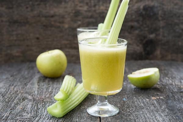 芹菜汁的功效与作用_喝芹菜汁的好处