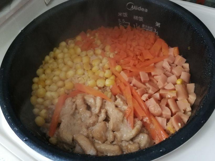 电饭煲怎么蒸饭?电饭煲蒸饭的做法