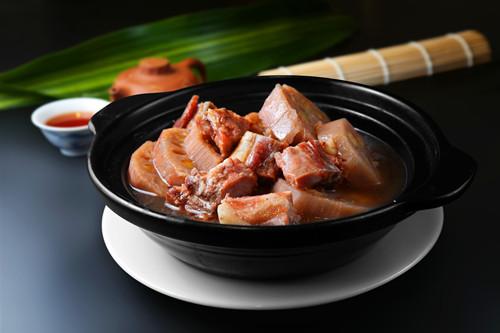 莲藕怎么做好吃 莲藕排骨汤的做法