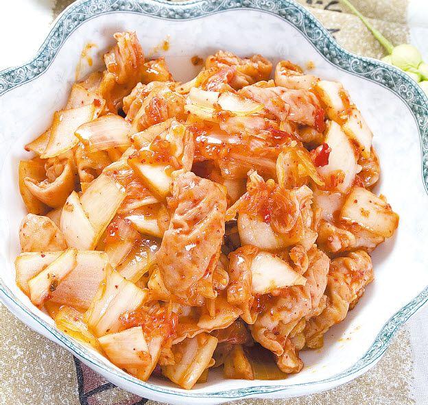 辣白菜炒肥肠怎么做?辣白菜炒肥肠的家常做法