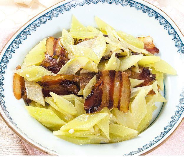 青笋炒腊肉怎么做?青笋炒腊肉的家常做法
