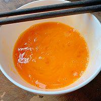 #憋在家里吃什么#新派美味:鸡蛋火腿肠面条煎饼的做法图解4