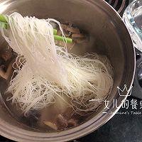 秋季润燥:黑豚筒骨萝卜汤的做法图解6